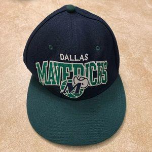 Mitchell and Ness Retro Dallas Mavericks SnapBack